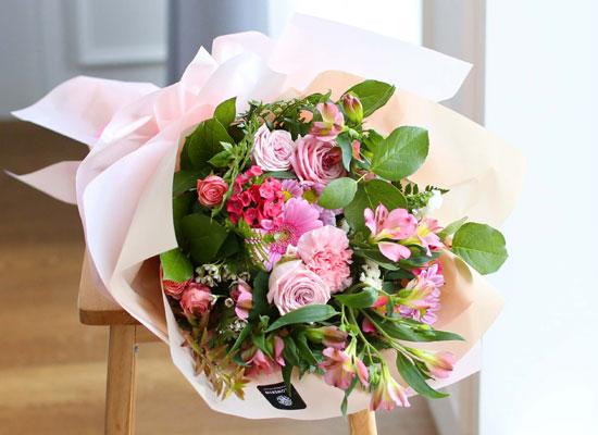 전국으로 꽃 보내세요 - 졸업을 축하해요 congratulations
