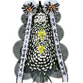 보내시는분의 품격! - 플라워119 근조3단화환( 노랑나리포인트 ) 꽃배달하시려면 이미지를 클릭해주세요