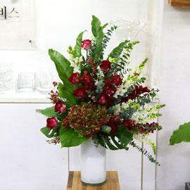 [서울배송] Art in Flowers - Triangle Shape 꽃배달하시려면 이미지를 클릭해주세요
