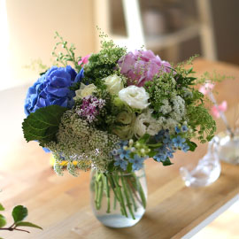 Ways to Freshen Your Home - Arrangements in living of Four Seasons 꽃배달하시려면 이미지를 클릭해주세요