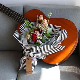 MARCH  - A  ture love of mine 꽃배달하시려면 이미지를 클릭해주세요