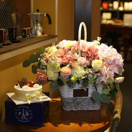 Flowers & Cake - 사랑하는 당신의 생일을 축하해요(계절소재변경) 꽃배달하시려면 이미지를 클릭해주세요