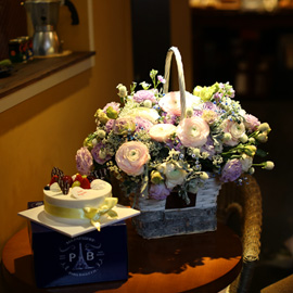 Flowers & Cake - 축복된 당신의 생일(계절소재변경) 꽃배달하시려면 이미지를 클릭해주세요