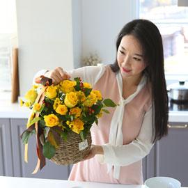전국으로 꽃 보내세요 -장미바구니(노랑) 꽃배달하시려면 이미지를 클릭해주세요