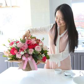 전국으로 꽃 보내세요 - 풍성한 꽃바구니(핑크)