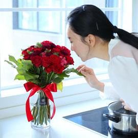 전국으로 꽃 보내세요 -장미와 화병 장미는 역시 붉은장미 꽃배달하시려면 이미지를 클릭해주세요
