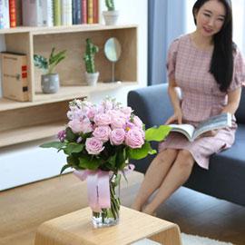 전국으로 꽃 보내세요 -장미와 화병 분홍장미의 비밀 꽃배달하시려면 이미지를 클릭해주세요