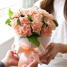 {서울수도권, 광역시}To. 엄마.아빠 - 어머니들이 꽃다발을 받는날 꽃배달하시려면 이미지를 클릭해주세요