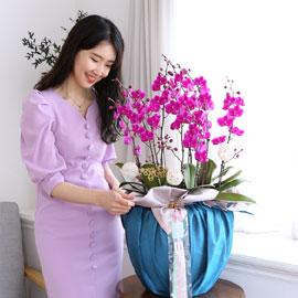 정성이 느껴지는 보자기 포장 - 만천홍(대) 꽃배달하시려면 이미지를 클릭해주세요