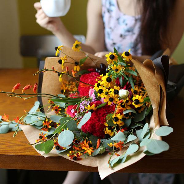 화려한 꽃다발내츄럴한 느낌의 화려한 꽃다발