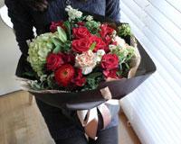 축하의 꽃다발각종 축하 행사에 빠질 수 없는 꽃다발