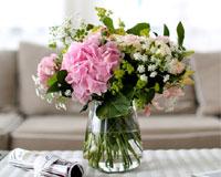 소소한 즐거움을 줄수 있는 화병꽂이계절의  꽃을 통해 계절을 느끼고 싶어요