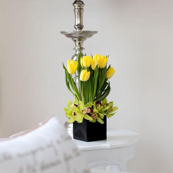 신상품꽃시장에서 계절별로 새로나오는 꽃으로 신상품을 만듭니다