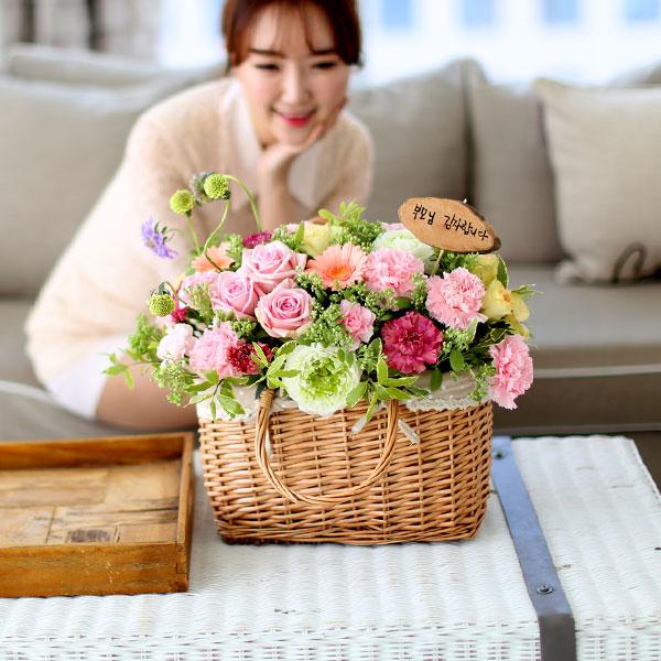 풍성한 꽃바구니정성가득한 예쁘고 풍성한 꽃바구니