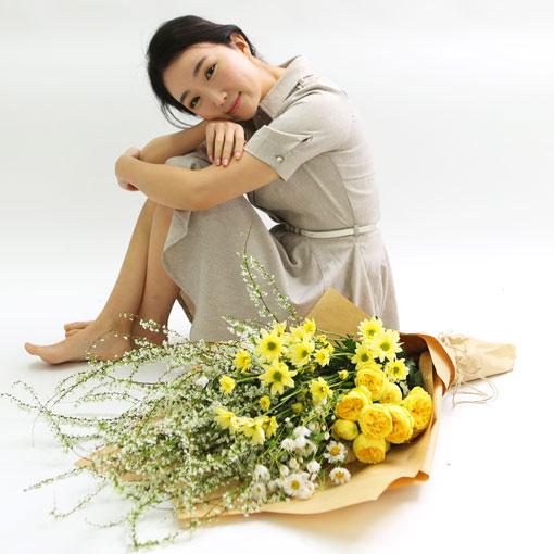 Spring Letter어린아이처럼 밝고 긍정적인 색,노랑 노오랑색의 꽃을 모아봤어요