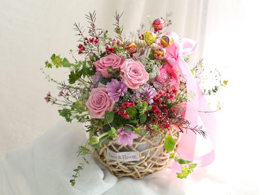 Spring elegance - Roses the pink(꽃바구니에서 사탕은 빠짐)