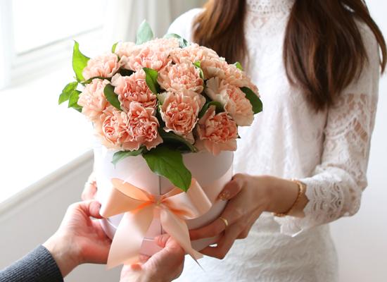 {서울수도권, 광역시}To. 엄마.아빠 - 어머니들이 꽃다발을 받는날
